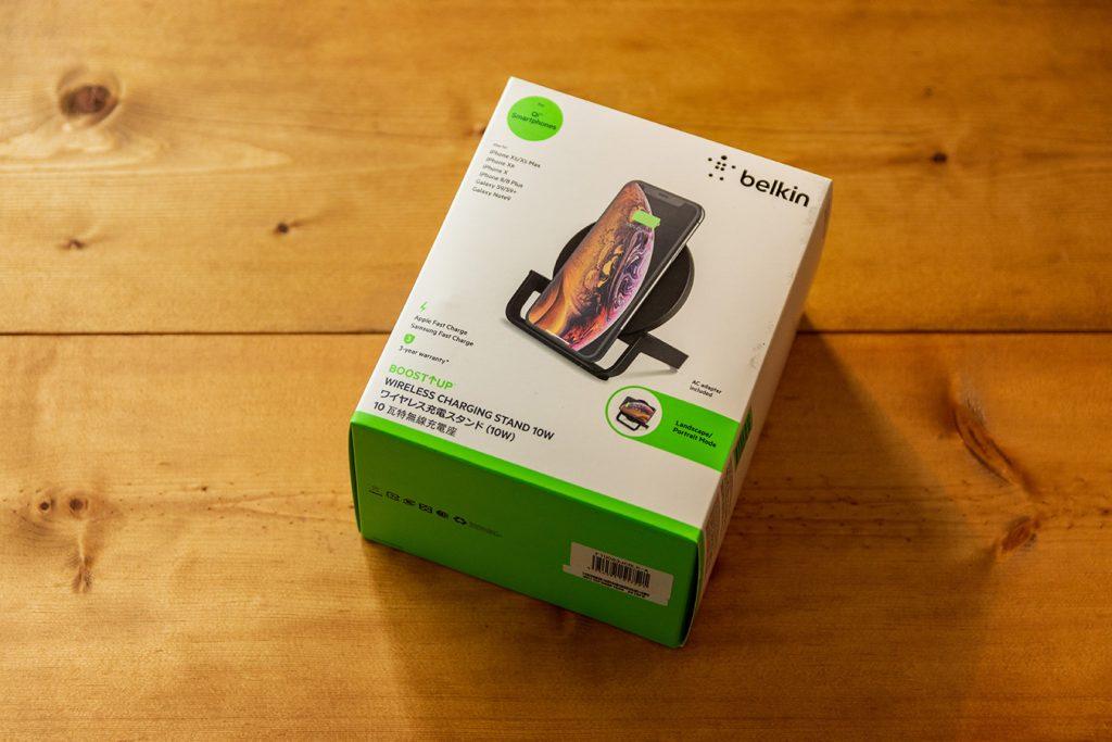 Belkinのワイヤレス充電器のパッケージ